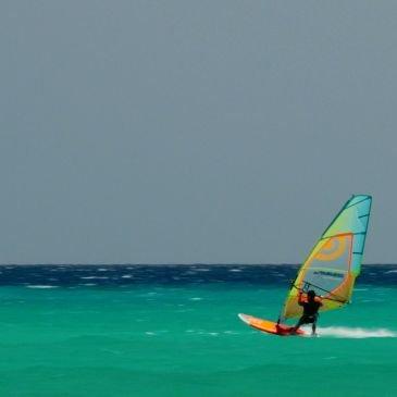 Wind Surfing & Kite Surfing in Fuerteventura