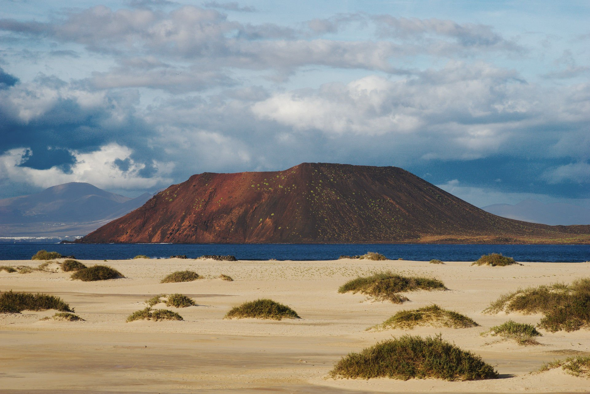 Isla de Lobos as seen from the Corralejo Dunes