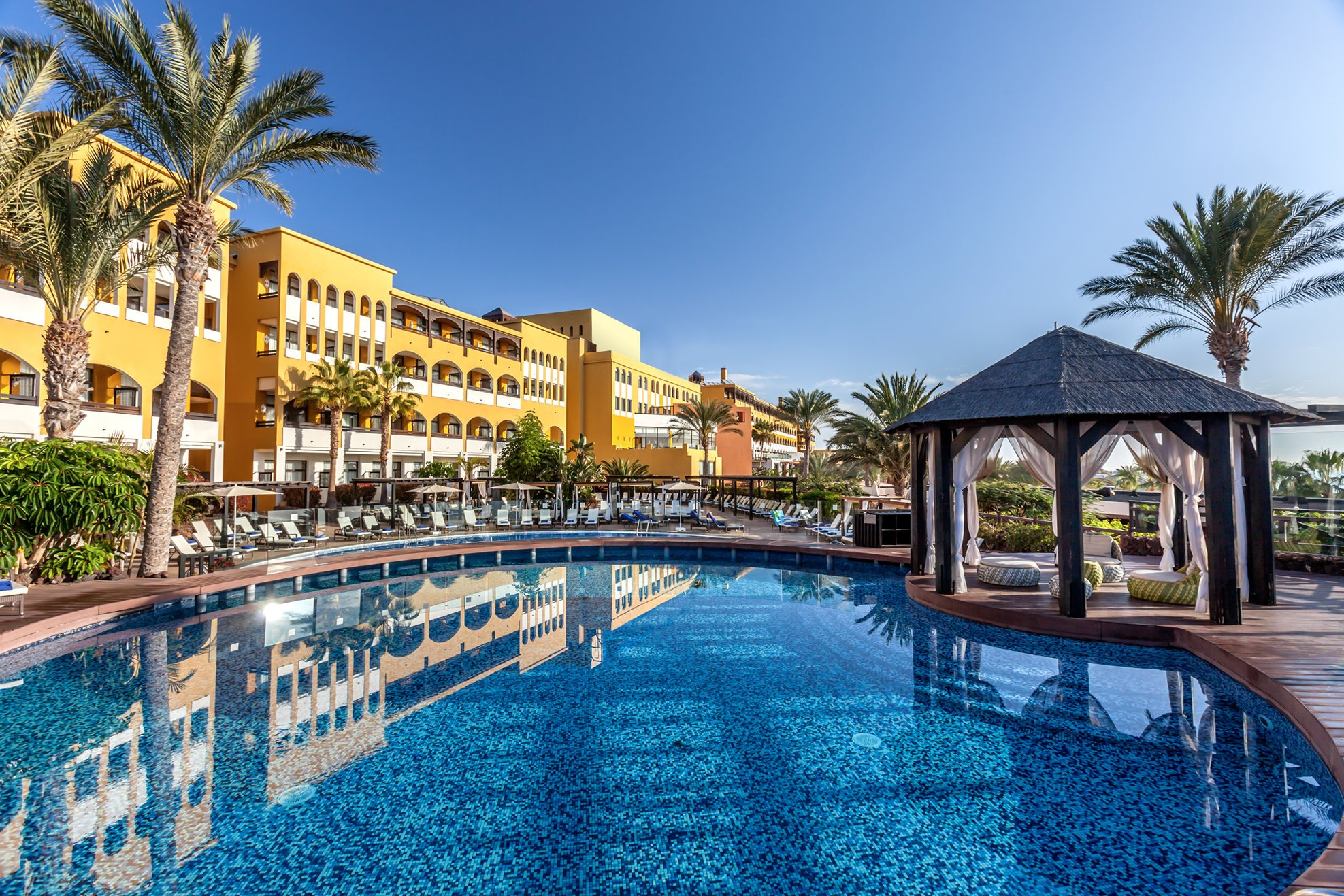 Top luxury hotels in fuerteventura 2017 for Luxury hotel guide