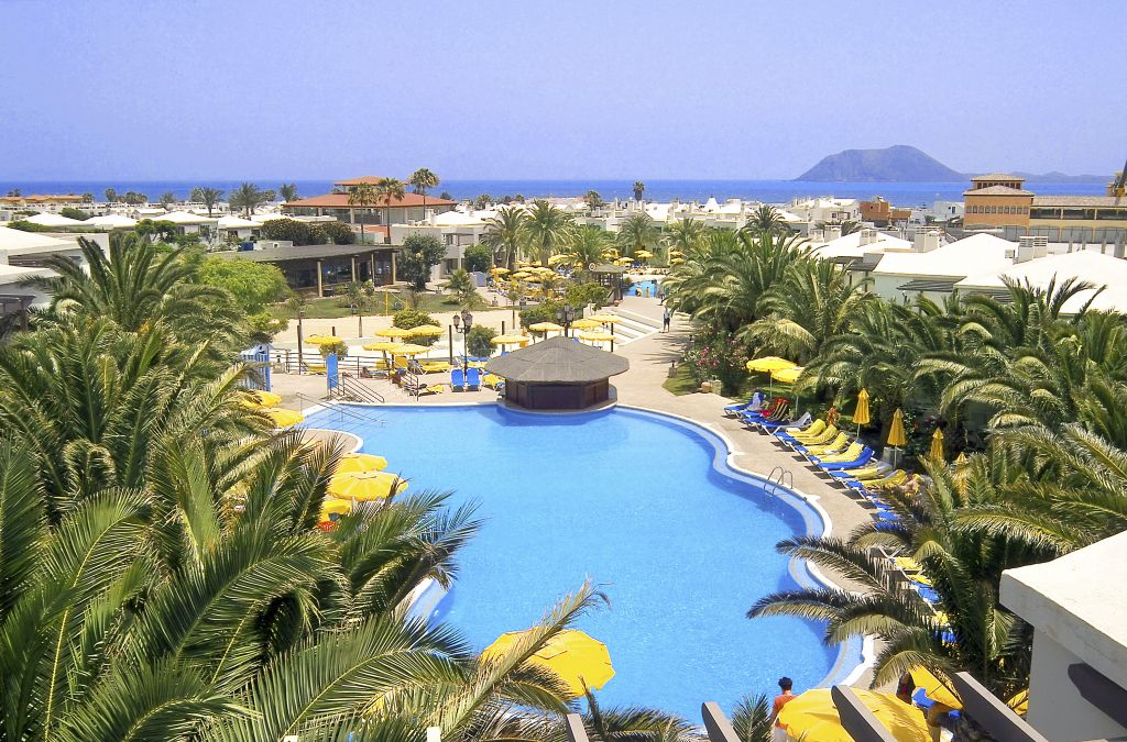 Adults only swimming pool and terrace at the Suite Hotel Atlantis Fuerteventura